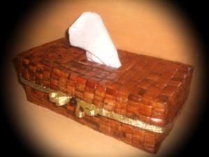 tempat tissue dari koran